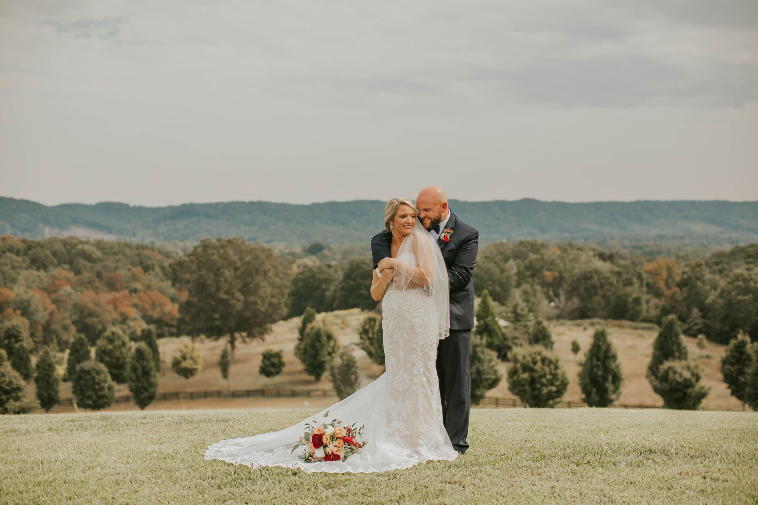 Our Chattanooga wedding venue offers endless photo opportunities both you and your photographer will just swoon over.