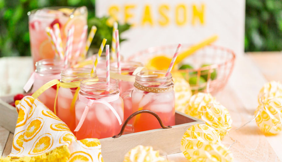 For a summer wedding, jazz up your outdoor wedding venue Chattanooga with a lemonade table so your guests can cool off.