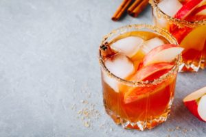 Get creative with seasonal cocktails for your winter wedding Chattanooga