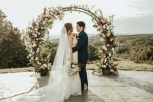Host your Chattanooga micro wedding here at Howe Farms