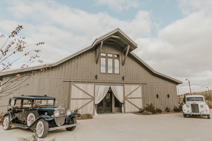 The Apple Barn is one of our Chattanooga wedding venues teeming with personality and southern charm.