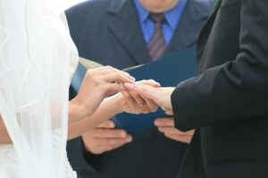 5 Tips for Choosing the Right Wedding Officiant